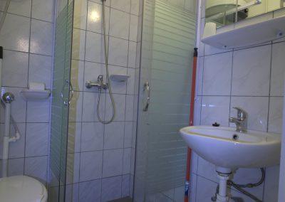 Bukkalja_apartman_szilvasvarad_egyszobas_furdoszoba